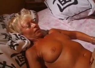 Tanned babes are all about incest pussy eating