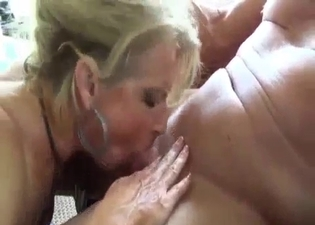 Mommy gets sweaty sucking it