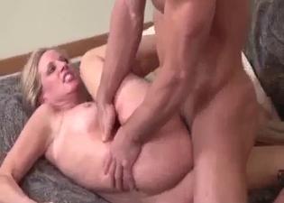 Insane sideways sex for kinky mommy