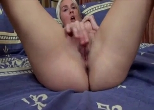 Blonde seducing with her tits