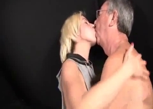 Blonde cannot stop sucking cock