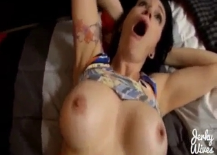 Trimmed pussy babe fucked in POV