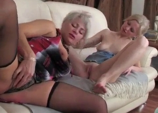Lesbian sex - mom & daughter edition