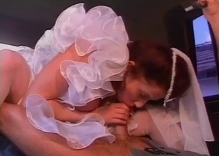 Bride's father gets to pop her cherry