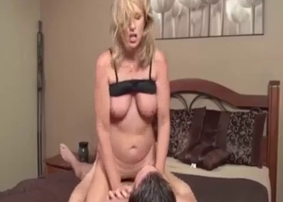 He hate-fucks his own slutty mother